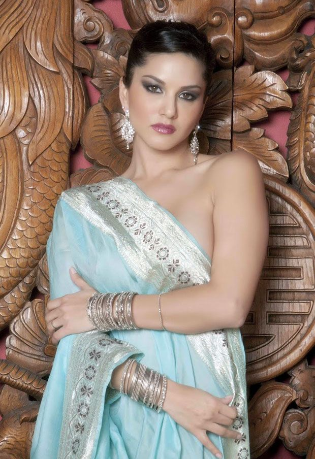 Sunny Leone in Saree Hot Photos