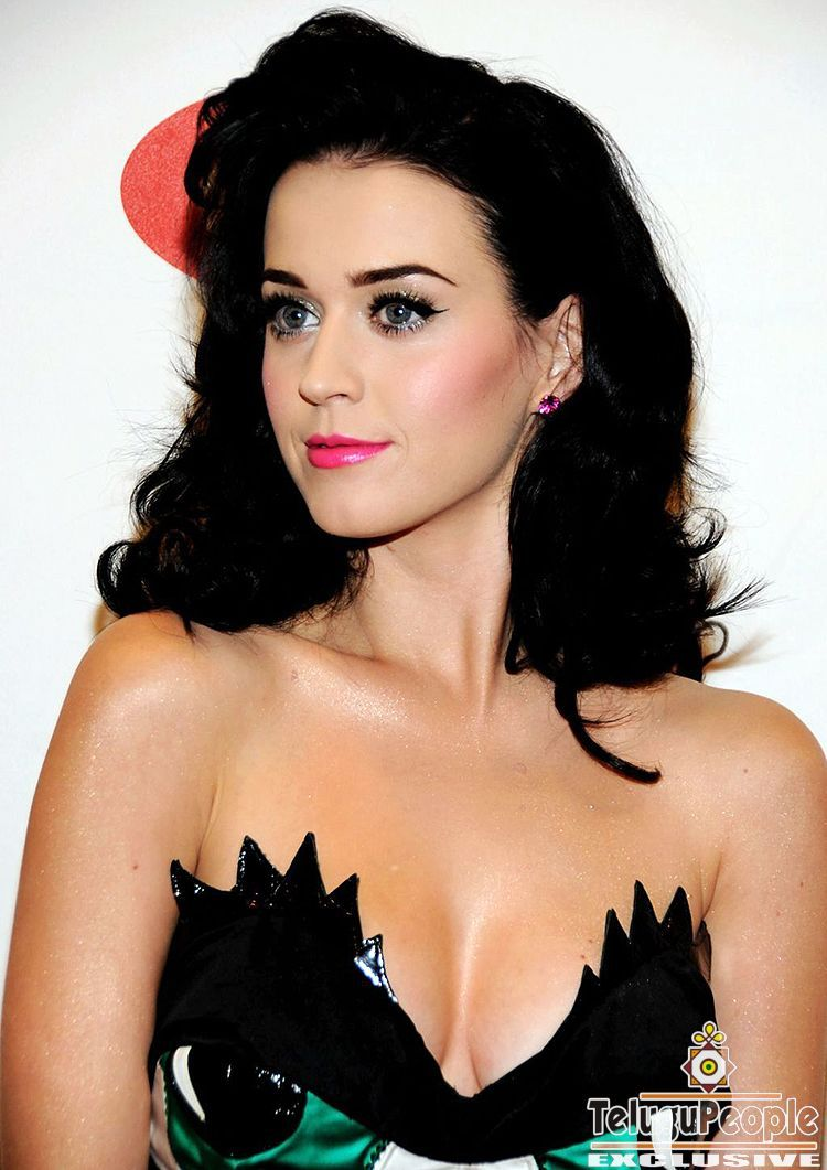Hot celebrity 2014 profile pictures hot fb display picture for Hot fb pictures