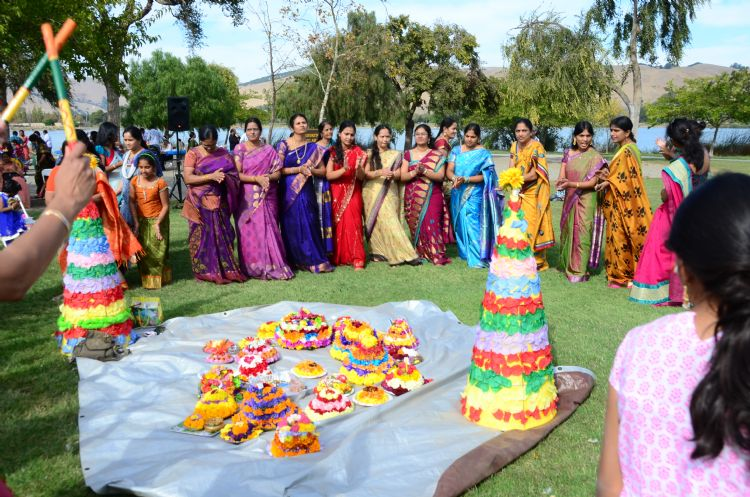 Fashion Beauty Wallpapers Bathukamma Dance